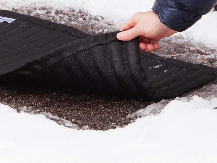 Reusable Ice Melting Mat by Saltnets - 4
