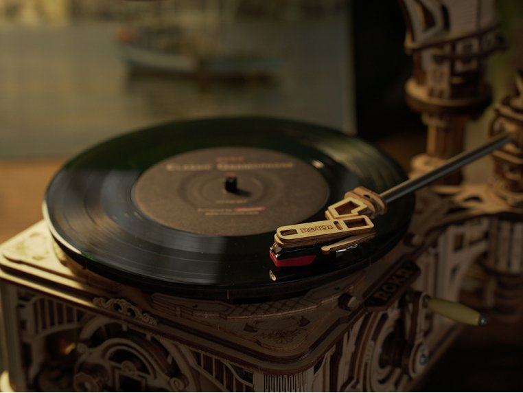 DIY Vintage Record Player by Robotime - 3