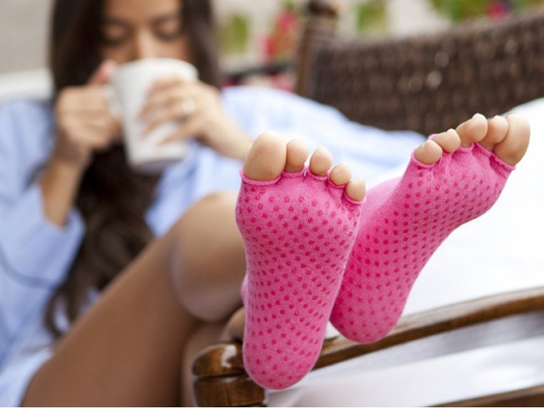 Non-Slip Fitness/Lounge Socks by Toezies - 1