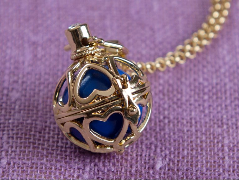 Heart to Heart Angel Locket by Yourself Expression - 1