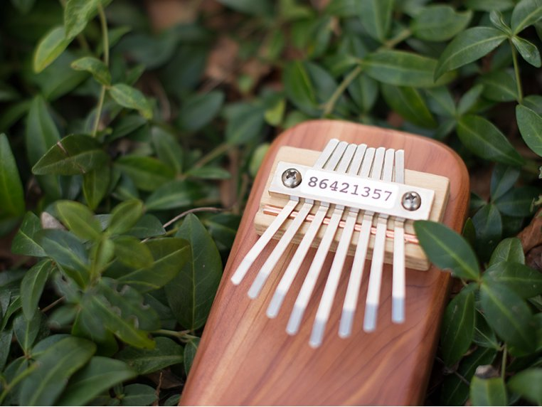 Cedar Board Kalimba by Mountain Melodies - 5
