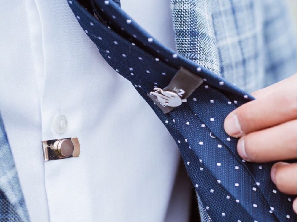 Magnetic Invisible Tie Stay